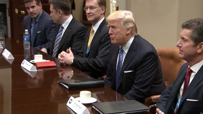 Trump tells automakers, manufacturers USA will cut regulations, taxes