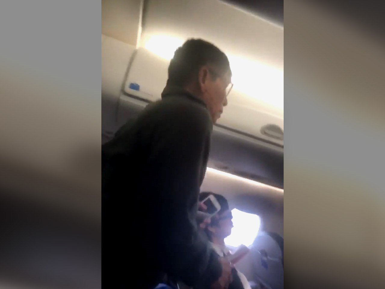 United to Refund All Passengers Who Watched Asian Doctor Get Assaulted
