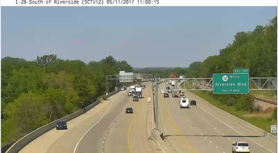 IDOT: Sioux City Police appear to be searching along I-29.