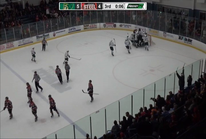The Musketeers beat Chicago 5-4 on Saturday, forcing a decisive Game Five in the Clark Cup Finals.