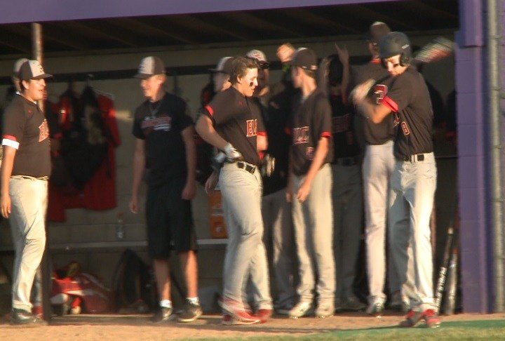 Estherville Lincoln Central beat Spencer, 3-2, on Monday night.