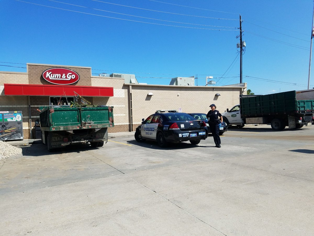 There are several SCPD vehicles at the Kum & Go at 14th and Douglas Streets.
