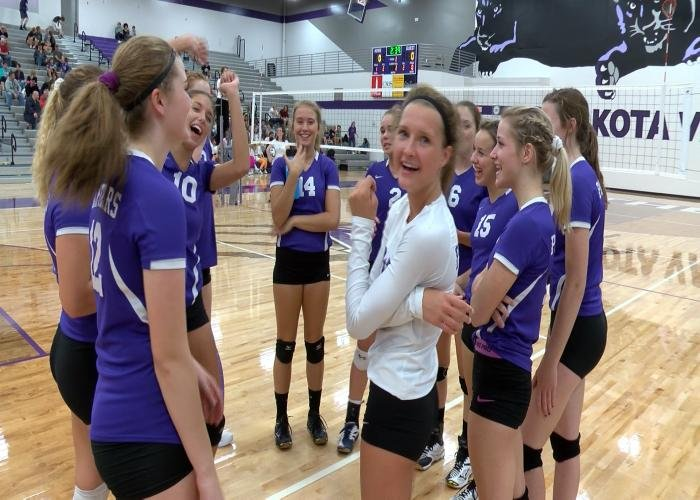 Dakota Valley improved to 19-2 with a sweep of Dell Rapids on Monday.