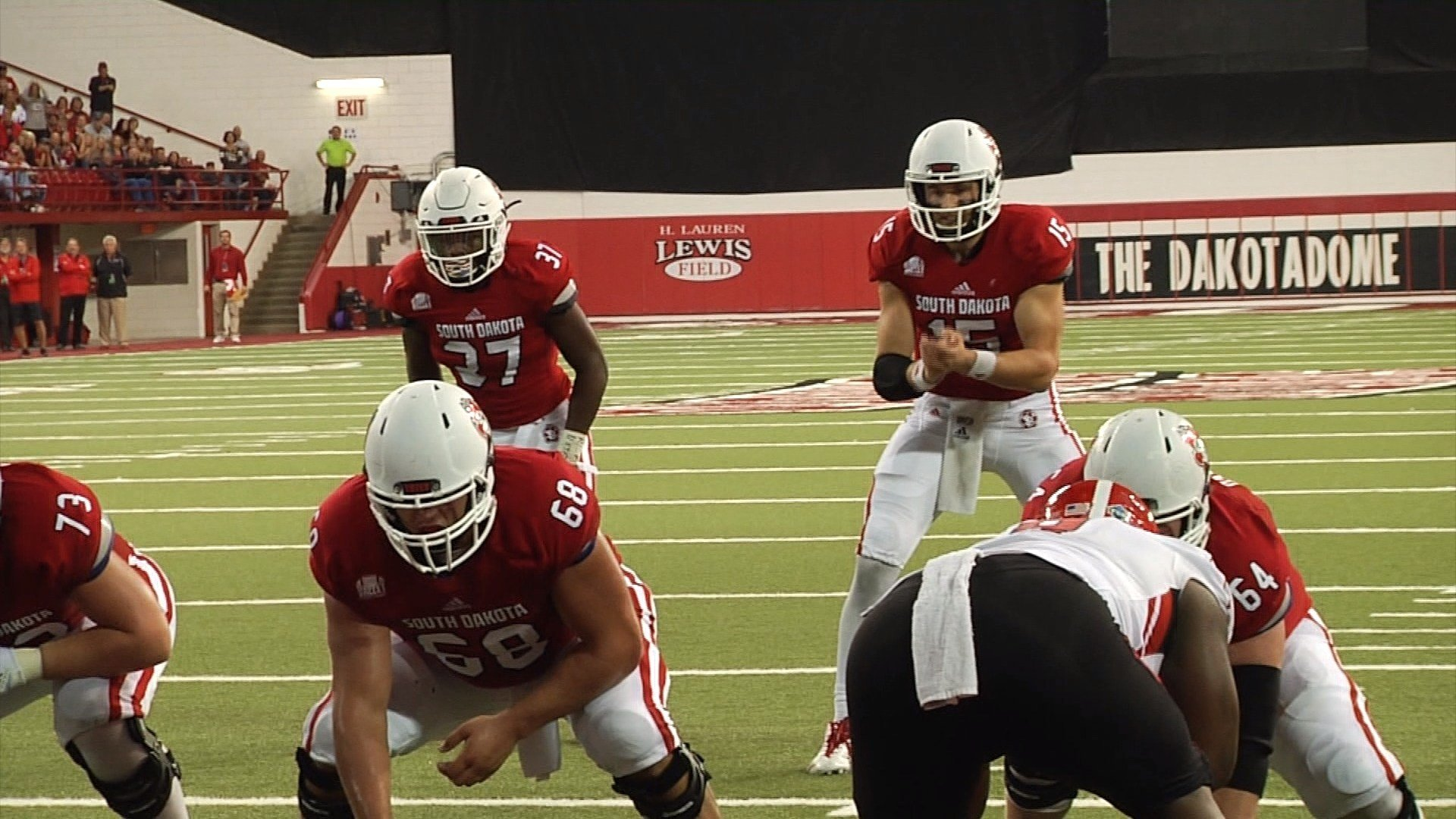 South Dakota beat Youngstown State on Saturday, 31-28.