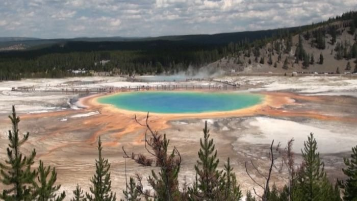 Scientists say there could be clues to Yellowstone's next super-volcano eruption, decades before it erupts.