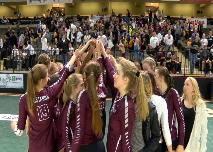 Morningside and Northwestern each lost at the NAIA volleyball tournament on Friday.