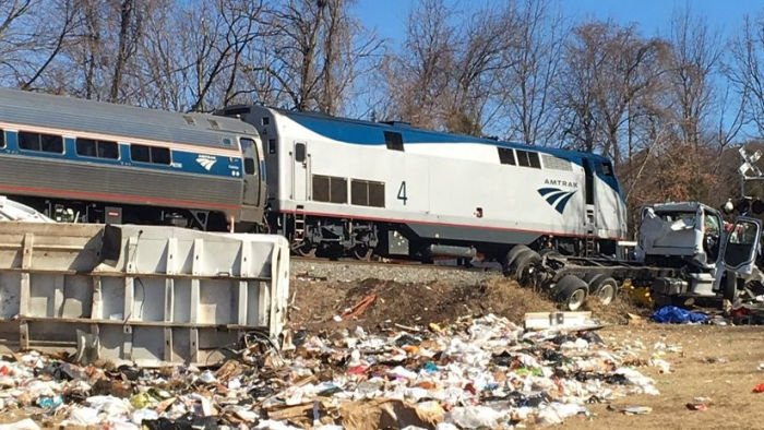 US GOP train braked in fatal crash