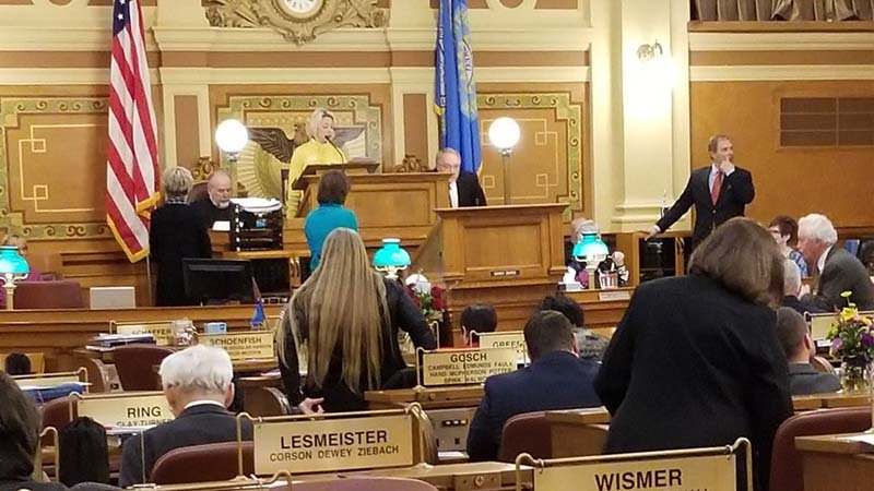 South Dakota House lawmakers have voted down a bill that would have raised the legal age to buy tobacco from 18 to 21