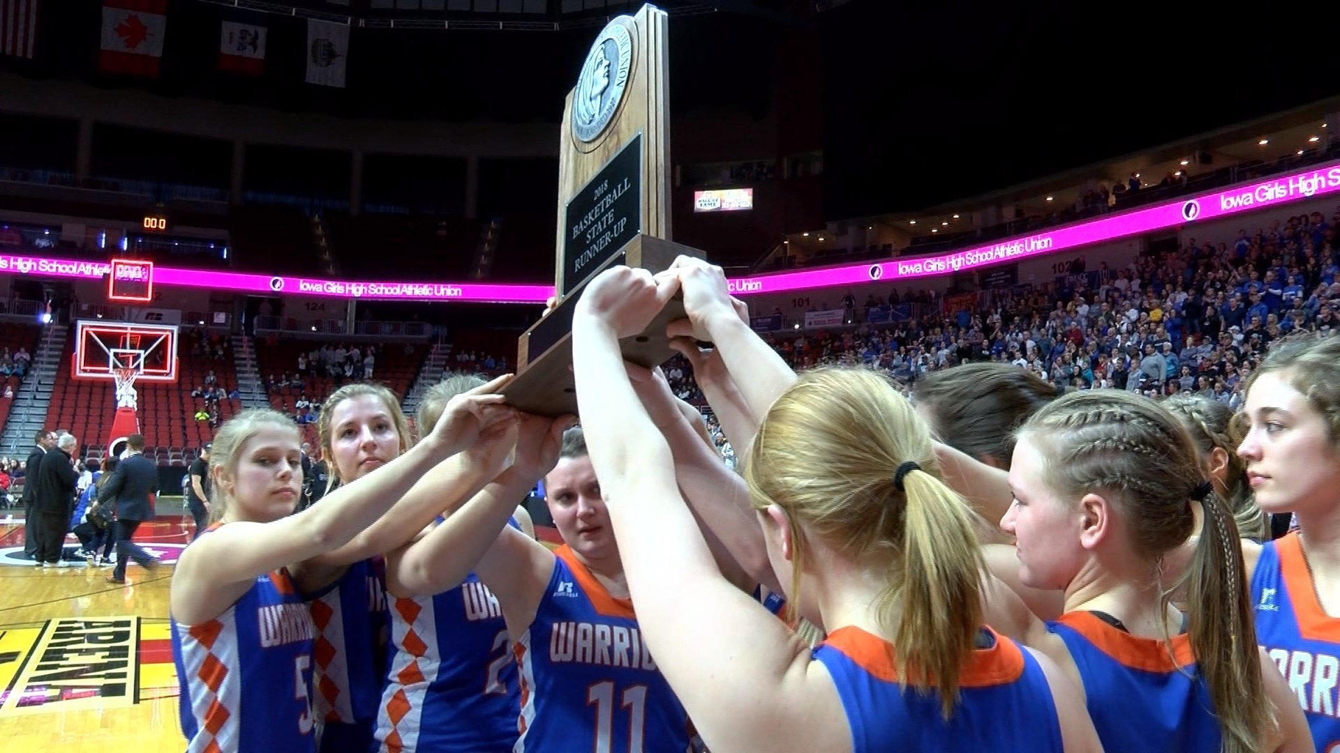 Sioux Center fell to Crestwood in the Class 3A state championship game,  73-48.