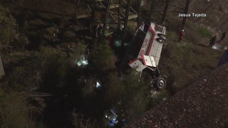 Bus carrying high school students crashes into ravine