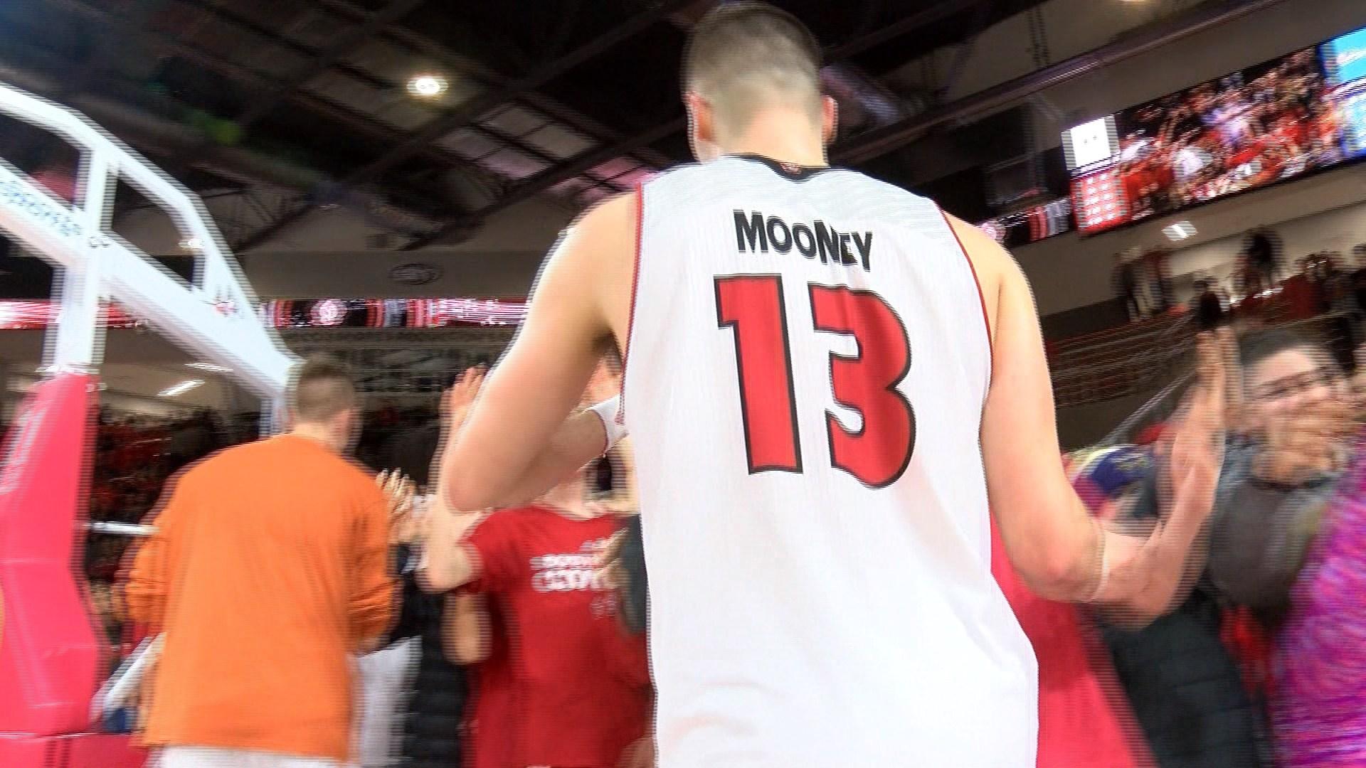 Matt Mooney scored 18.7 points per game for South Dakota last season.