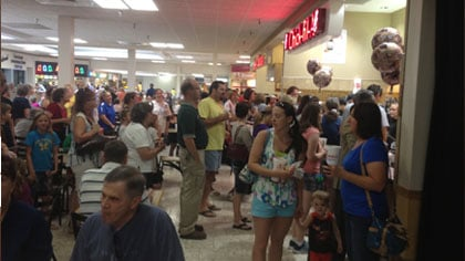 Newspotter photo: Lines were backed up at Chick-fil-A in the Southern Hills Mall. One caller said there was at least a few hundred people. But, it was worth the wait.