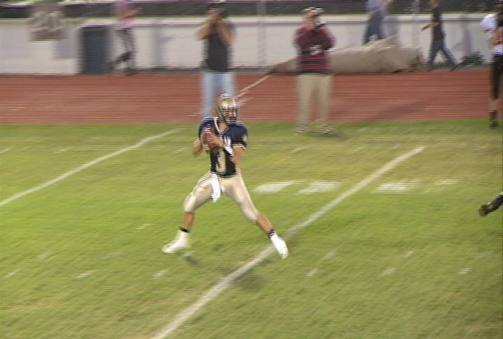 Trent Solsma throws a pass in Bishop Heelan's 41-8 win over Le Mars on Friday.