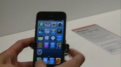 The Verizon Wireless store in Sioux City opened its doors an hour early Friday morning to accommodate iPhone 5 customers.