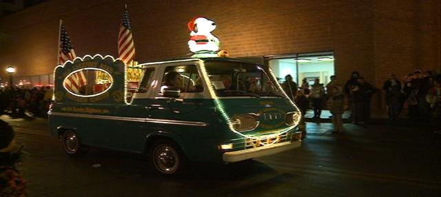 Organizers are looking for Holiday Lighted Parade entries.