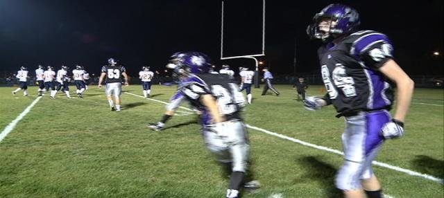 Andrew Reiff (#84) caught the game-winning touchdown pass in Dakota Valley 40-37 win over Tea Area.