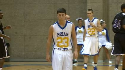 The Briar Cliff men's basketball team improved to 2-1 with a 94-65 win over Waldorf on Monday.