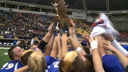 M-M-C beat Don Bosco, 51-16, on Thursday to win Iowa's 8-man football championship.