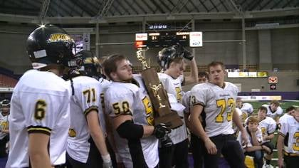 Wapsie Valley scored with 1:39 left to beat Hinton, 21-14, in the Class A championship game.