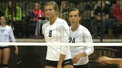 Morningside beat #12 Indiana-East, 3-2, on Wednesday at the NAIA volleyball tournament.