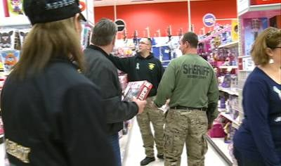 20 children benefited from this surprise shopping trip.