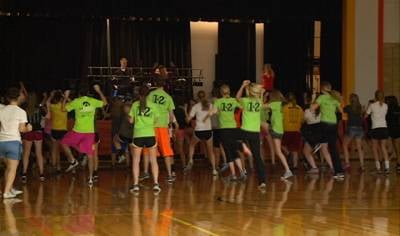 Students at Ridge View High School at the start of the dance marathon event.