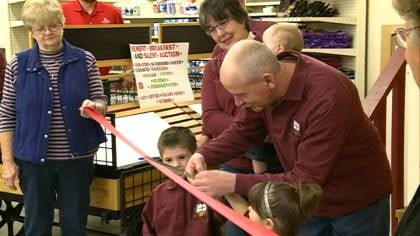 A fire burned down Correctionville's only grocery store in 2009. On Wednesday, they cut the ribbon on a new one.