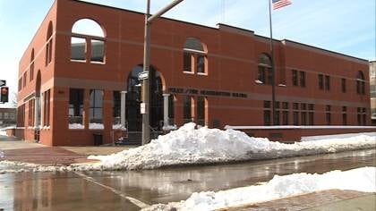 Sioux City police will ask the city council for approval to apply for two grants on Monday.