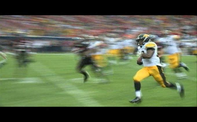 Iowa's Damon Bullock runs for the winning touchdown against Northern Illinois last season.