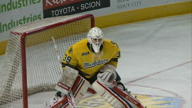 Sioux City's Collin Olson made 60 total saves in two Musketeer wins last weekend.