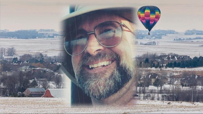 A Siouxland photographer captured Kim Rosenboom's last hot air balloon flight and that photo connected three families together.