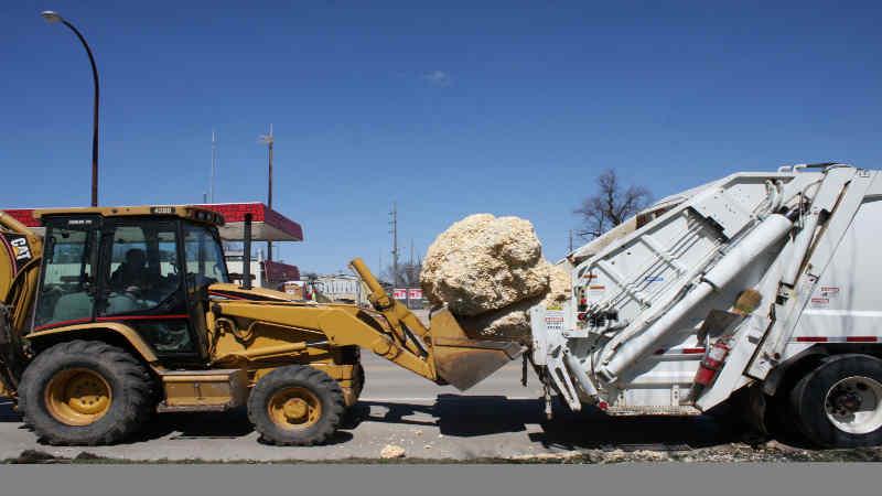 Sac City IA large popcorn ball removed WKOW 27 Madison