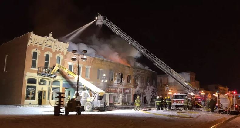 Furniture Store Fire In Vinton Ia Destroys Block Of Downtown Ktiv News 4 Sioux City Ia News