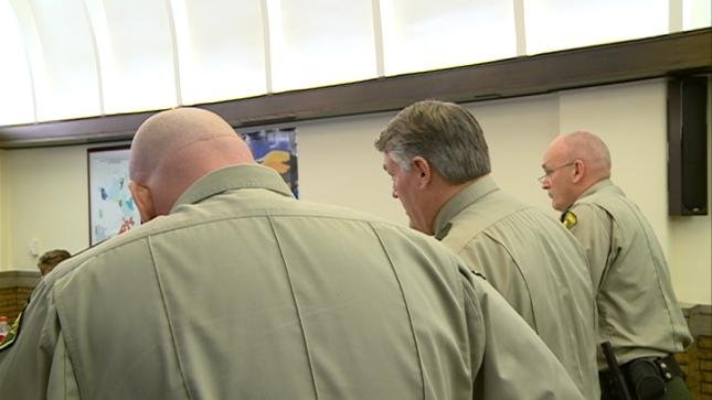 Auditor questions raises negotiated for Woodbury County deputies ...