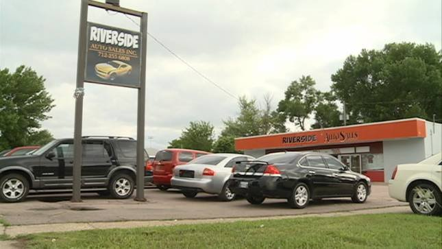Police Investigate Armed Robbery At Riverside Car