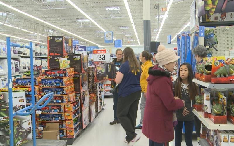 siouxland walmart busy with last minute holiday shopping on supe. Cars Review. Best American Auto & Cars Review
