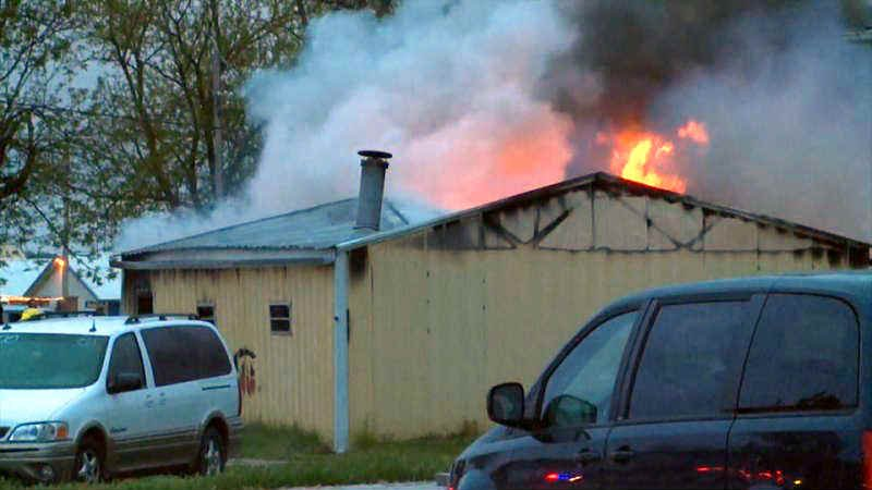 fire damages norfolk nebraska auto dealership and several vehic kwwl eastern iowa breaking. Black Bedroom Furniture Sets. Home Design Ideas