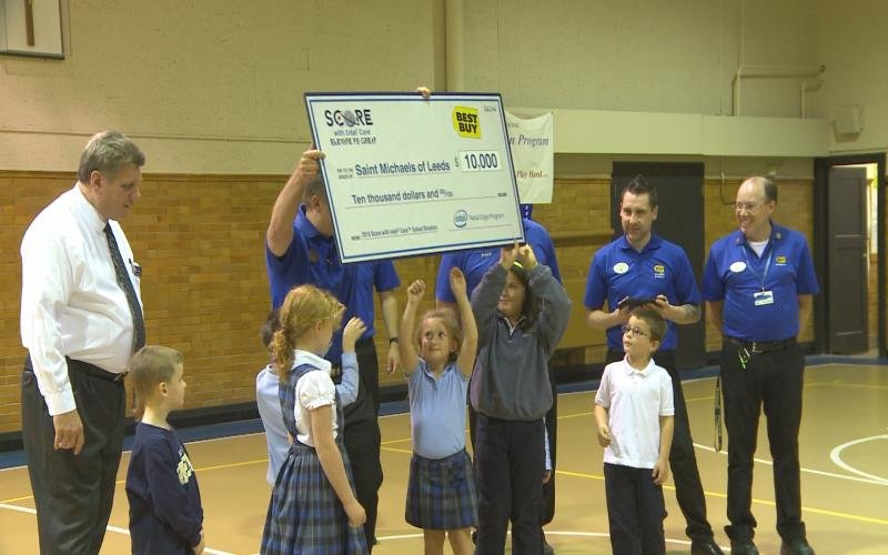 Best Buy Employees Presented St Michael Center Students